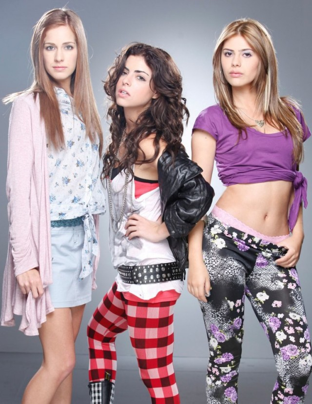 Protagonistas de la telenovela Niñas mal