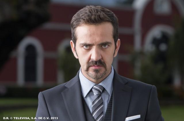 Flavio Medina es Cesar