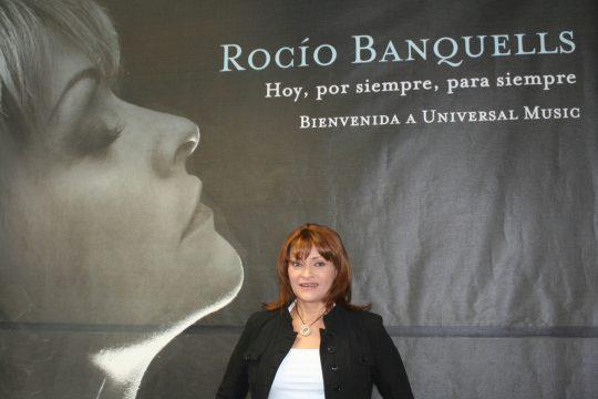 Rocío Banquells firma con Universal Music