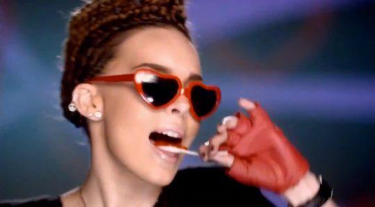 Video Lolita de Belinda, canción de Niñas mal