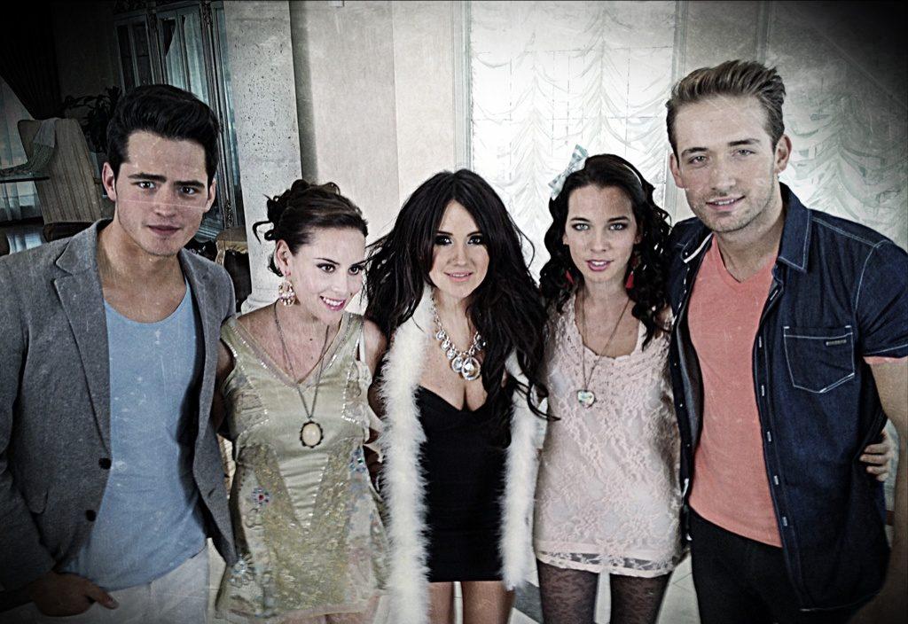 elenco de la telenovela ultimo año