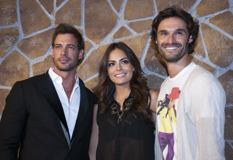 Fotos telenovela La Tempestad con William Levy y Ximena Navarrete