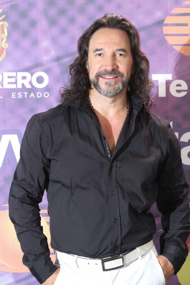 El-Buki-La-Voz-Mexico-1