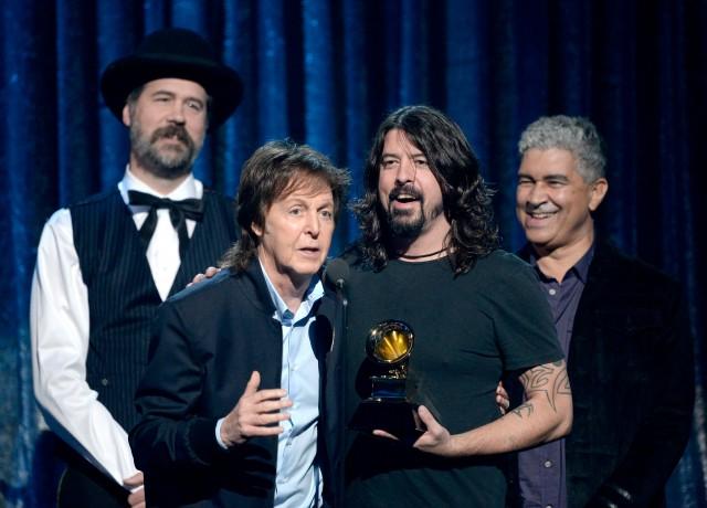 Krist Novoselic, Paul McCartney, Dave Grohl, y Pat Smear